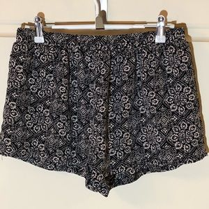 Cute Forever 21 Easy Care Shorts Pull On Sz M